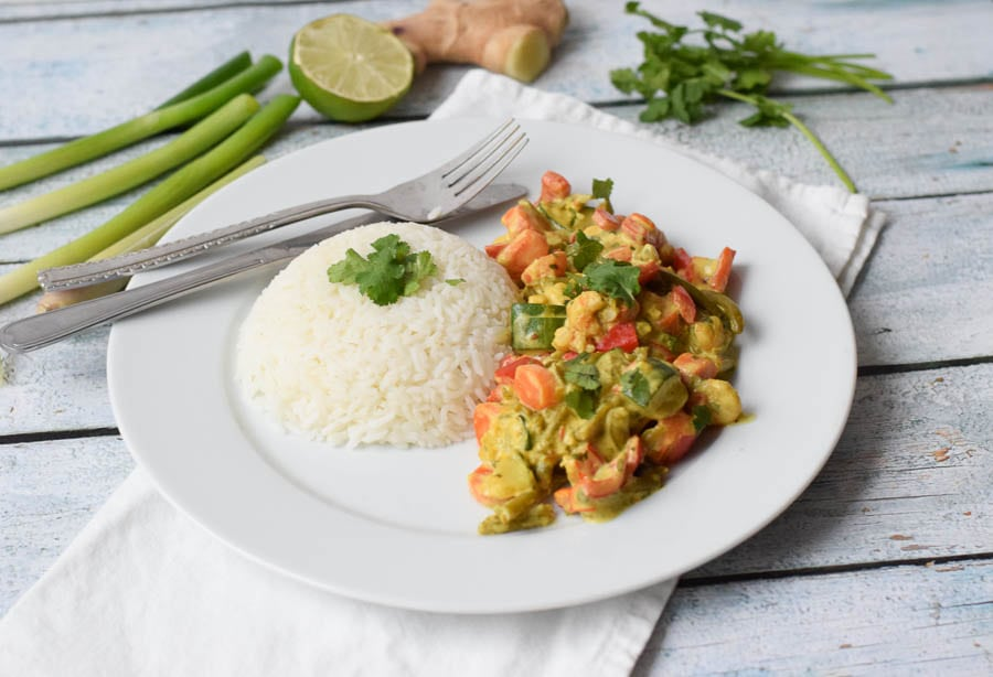 low FODMAP yellow curry with shrimps