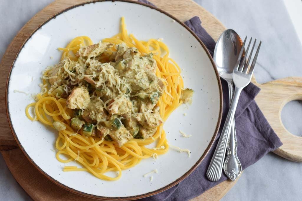 low fodmap pasta pesto met kip (glutenvrij, met vega optie)