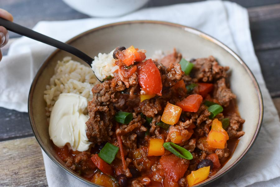 low fodmap chili con carne in a bowl